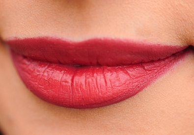 probleme estetice buze acid hialuronic tratamente faciale