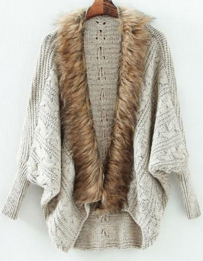 pulover cu blana in garderoba