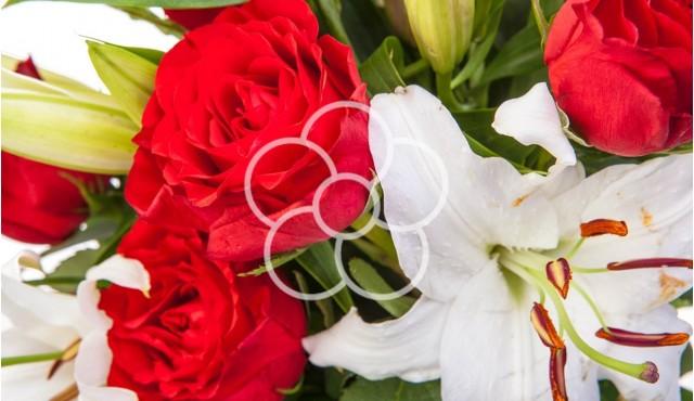 buchet-de-flori-anonim