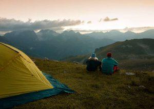 camping unde poți merge în excursie cu cortul