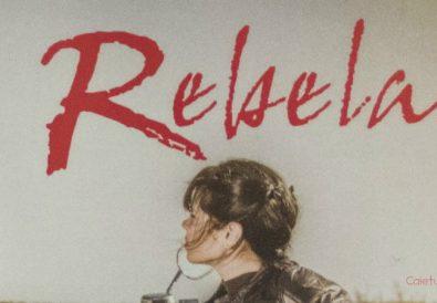 Romanul Rebela