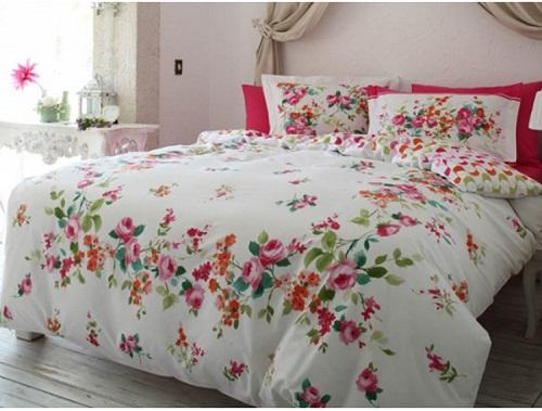 lenjerii de pat cu imprimeu floral