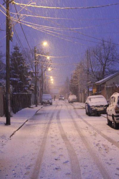 zăpada pe străzi