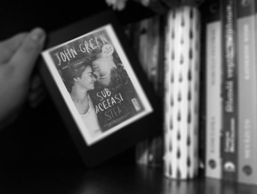 Sub aceeași stea - John Green