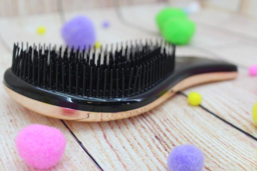 perie pentru descurcat părul
