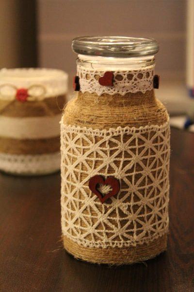 sticlă decorativă cu sfoară și dantelă