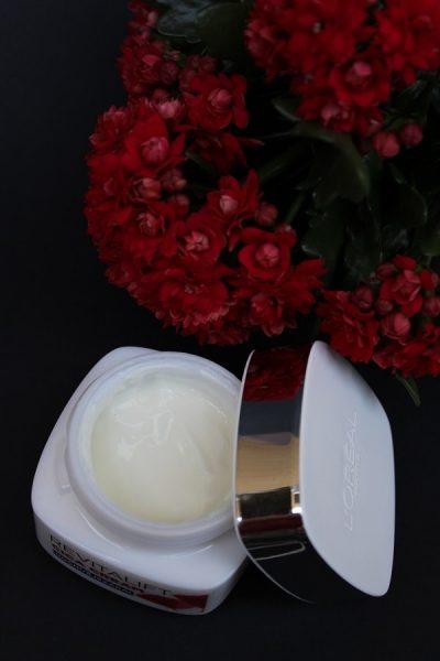 L'Oréal Paris Revitalift Cica Cream crema regeneratoare antirid de noapte