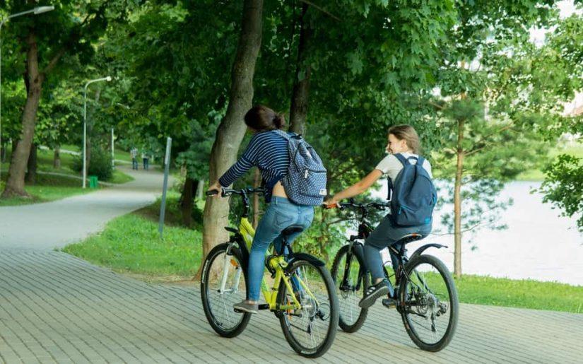 mișcarea în aer liber - mersul pe bicicletă