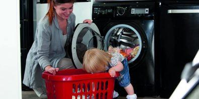cum spălăm hainele bebelușului