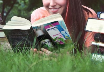 fata care citeste carte