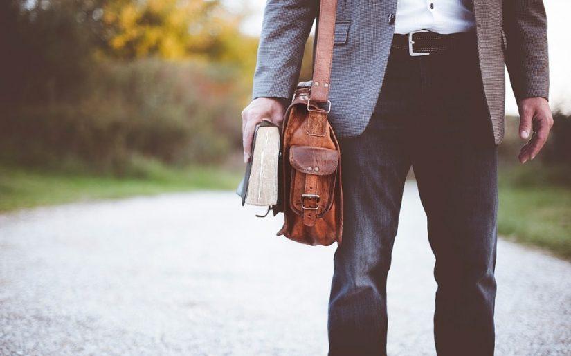 geantă pentru bărbați