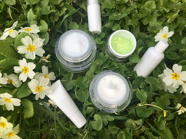 cosmetice din ingrediente naturale vegetale