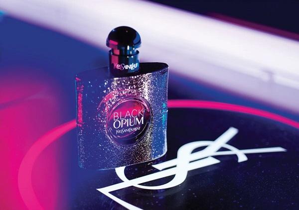 Yves Saint Laurent Black Opium Glowing