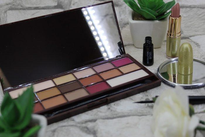 paleta I Heart Revolution Chocolate, ruj mat Makeup Revolution Life On the Dance Floor, eyeliner Revolution PRO Supreme 2