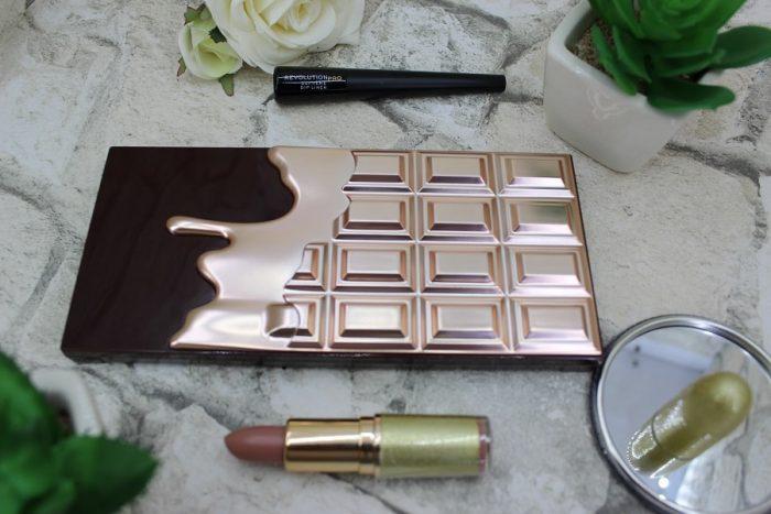 paleta I Heart Revolution Chocolate, ruj mat Makeup Revolution Life On the Dance Floor, eyeliner Revolution PRO Supreme