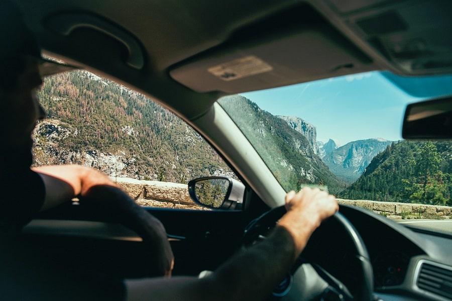 in vacanta la munte cu masina