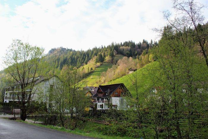 satul-Moieciu-de-Sus