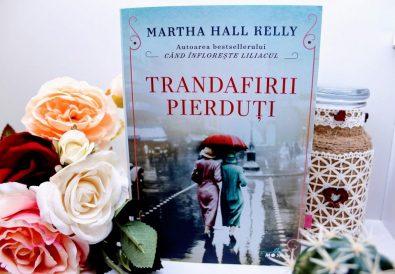 Trandafirii pierduți, Martha Hall Kelly
