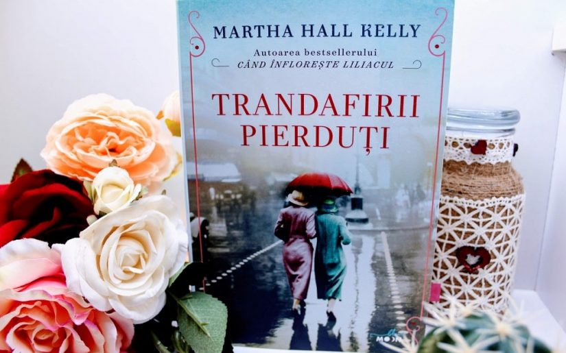 Trandafirii pierduți, Martha Hall Kelly