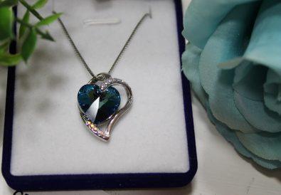 "Lantisor si Pandantiv ""Blue Heart"" cu Swarovski® Crystals"