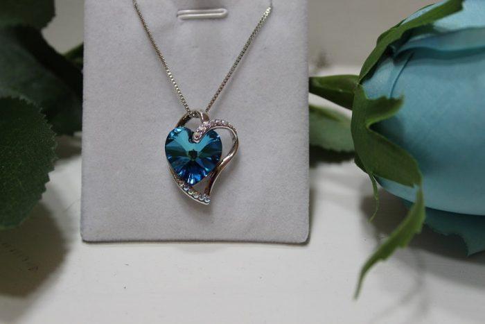 "Lantisor si Pandantiv ""Blue Heart"" cu cristale Swarovski"
