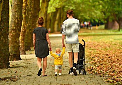 cu copilul la plimbare