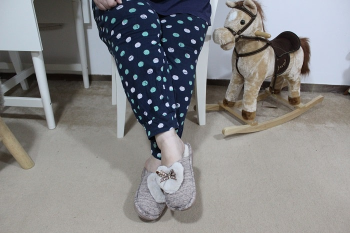 papuci de casa pufosi