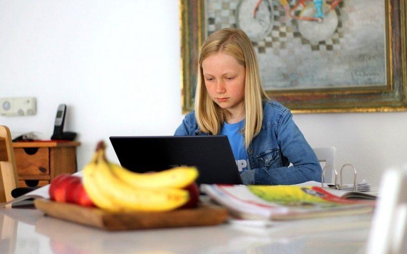 învățământul online - provocare pentru ochi