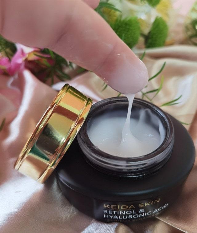 Keida Skin cremă cu acid hialuronic, retinol, niacinamida, peptide, extract de melc si Vitamina E