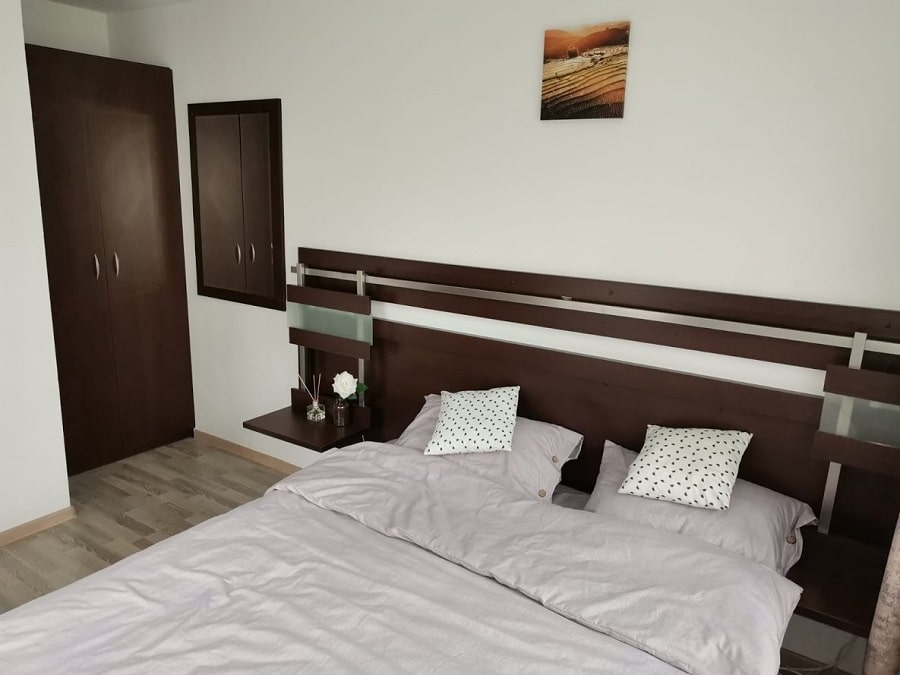 dormitor mic cabana Black Wood
