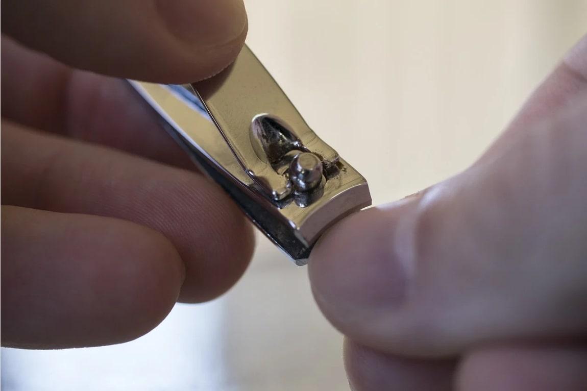 tăierea unghiilor